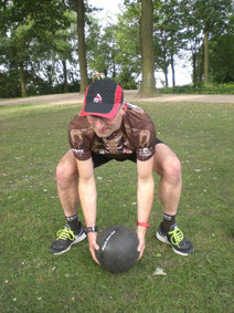 dockfit altona fitness Personal-Trainer bootcamp hamburg training fitnessexperten hamburg dockland battle ropes outdoor training Burpees overhead  2017 abnehmen Gewichtsreduktion outdoor