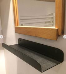 Détail de la qualité de finition de l'étagère murale en métal EtYa.