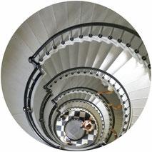 Treppenhausreinigung in Privat- und Bürohäusern