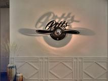 luminaire baroque,applique murale baroque,luminaire contemporain,luminaire floral,luminaire fleur,applique murale design,luminaire design,luminaire ombre portée,lampe baroque,applique murale contemporaine,luminaire pour hotel,luminaire pour restaurant