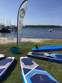 Freizeitaktivität bei Regen am Salzhaff in Rerik und Kühlungsborn an der OStsee. Stand Up Paddling in deiner VDWS Wassersportschule Ostsee