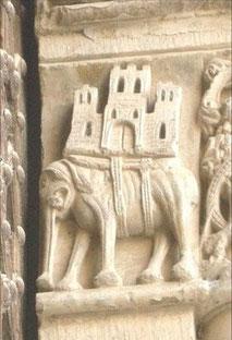 Capitel portada Iglesia Santa Mª de Agramunt SXIII.Lérida.Configuración de un elefante, símbolo de Cristo, llevando sobre sus espaldas los pecados de los hombres.