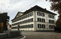 das Pestalozzi-Schulhaus wurde nicht nach einem Weinfelder benannt