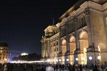 Lichtergrenze am Reichstag. Foto: Helga Karl