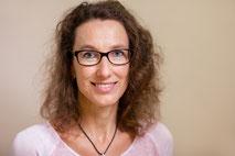 Portraitfoto von Schulsekretärin Dorit Kassigkeit
