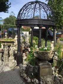 Pavillion aus Metall, rund und Kuppeldach