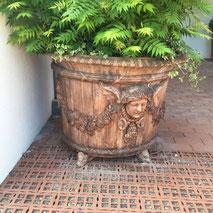 Pflanzkübel aus Stein, Antik