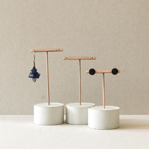 Concrete Cylinder Brushed Copper T-Bar Earring Stand By PASiNGA