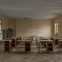 -------------- STRANGE SCHOOL -------------