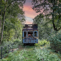 --------------- THE OLD TRAIN -----------------