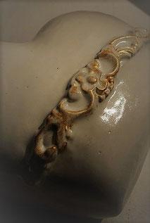 Ein Herz für Tiere: Urne aus frostfester Keramik
