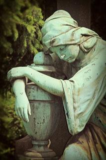 Trauer um ein Haustier - Urnen aus Keramik