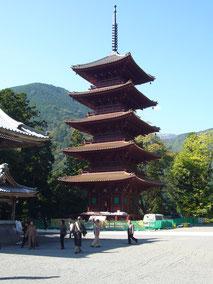 身延山久遠寺五重塔