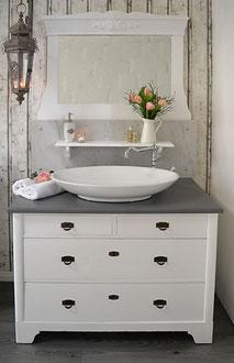 Art Déco Waschtisch mit Marmor und weißem Spiegel