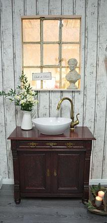 Antiker Waschtisch aus dunklem Holz