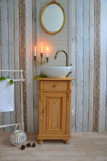 Gästewaschtisch Landhaus-Stil in hellem Holz
