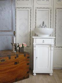 Waschtisch antik klein in weiß