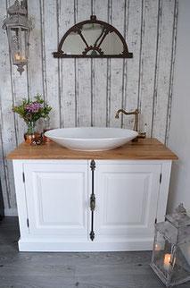 Kolonial Waschkommode in weiß
