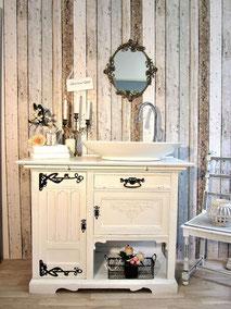 Kolonial-Badmöbel weiß als Waschtisch