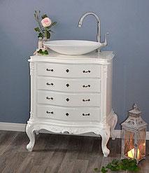 Weißer Waschtisch im Barock-Stil