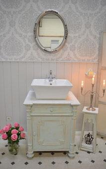 Waschtisch Antik mit weißem Marmor
