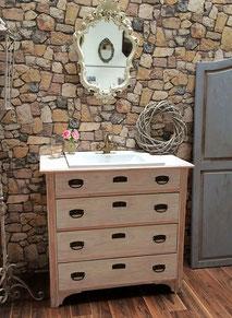 Elegante Waschtisch-Kommode in Shabby-Chic