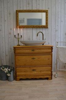 Waschtisch-Kommode aus hellem Holz