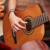 Zupfinstrumente