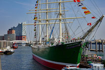 "Eventlocation ""Flusspott""', Eventlocation, Klettern, Matrosenpatent, Teambuilding, RICKMER RICKMERS, teamevent.de, Teamevent, Firmenevent, Betriebsausflug, Schnurstracks"