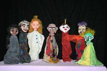 Figuren, die im Workshop entstanden sind, geschöpft wurden.