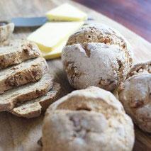 Kerstins Keto, Ketofrühstück mit herzhaften Walnussbrötchen, glutenfrei
