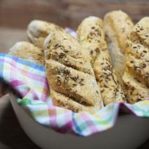 Kerstins Keto, glutenfreie Kümmel-Anis Stangen aus der Ketobackküche