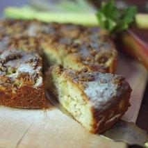 Kerstins Keto, glutenfreier Rhabarber-Mandelkuchen
