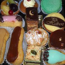 Les assortiments de petits fours de la boulangerie Habert de Selles-sur-Cher