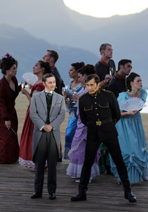 """Bruno als Gessler (re.), Patric Scott als Johan von Schwaben (li.), Lied """"Die Schönheit Der Macht"""""""