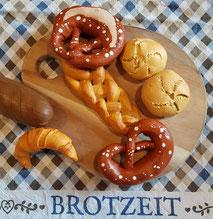 Brot, Brötchen, Brezeln, Croissants und Hefezopf aus Salzteig