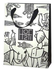 Papiertragetaschen mit Mattlaminierung Kordel und Band aus Baumwolle bedruckt