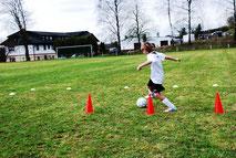 Sandra Minnert Fußballcamp Fußballtag Fußballschule für Firmen