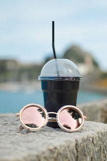 Der Mode Hit in diesem Sommer verspiegelte Brillengläser.