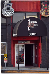 Das Whisky A Go Go wurde 1964 als erster Rockclub im Großraum L.A. eröffnet und prägte fortan die Szene hier in jeder Epoche: 1966 wurden die Doors Hausband, dann spielten hier von den Kinks über die Ramones bis zu Nirvana jeder angesagte Top-Act.