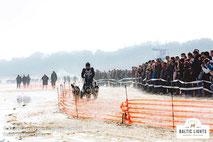 Zuschauer entlang der Rennstrecke © ExperiArts Entertainment - Stefan Stuhr