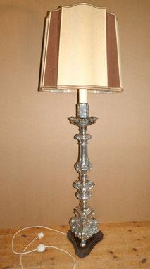 Große, barocke Stehlampe, versilbert, original Schirm, Höhe 166,0 cm, € 950,00