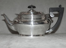 Klassische englische Teekanne, Alex Clark Company Ltd. , London, Welbeck Plate, € 280,00