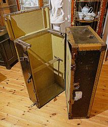 Großer amerikanicher Überseekoffer Yale & Towne MFG Co.,Trunk, Kleiderschrank, € 1150,00