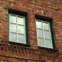 Fenster mit Sprosse, Holzfenster, Denkmalschutz, Denkmalfenster