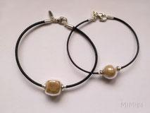 mimiga-joyas-artisticas-de-tu-animal-pulseras-personalizadas-cuero-plata-perla-cristal-pelo-perro
