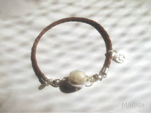 mimiga-artistic-pet-hair-jewellery-personalized-bracelet-braided-leather-silver-glass-pearl-paw-print-charm