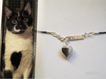 artistic-pet-hair-jewellery-mi-miga-pet-loss-memorial-necklace-leather-sterling-silver-infinity-plate-engraved-glass-pearl-heart-cat-kenzo