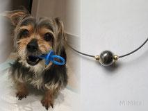 joya-artistica-memoria-recuerdo-con-pelo-animal-mi-miga-collar-hilo-vegano-plata-oro-ley-perla-cristal-perro-chiki