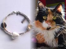 joya-artistica-con-pelo-animal-mi-miga-pulsera-cuero-plata-ley-charm-raspa-perlas-cristal-gato-anu